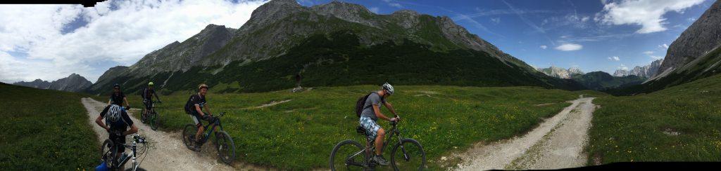 Den AlpenX im Visier: Born2.Bike im Karwendel