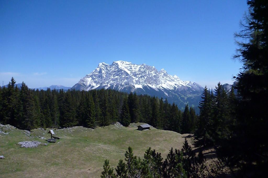 Auch im Mai noch schneebedeckt: die Zugspitze