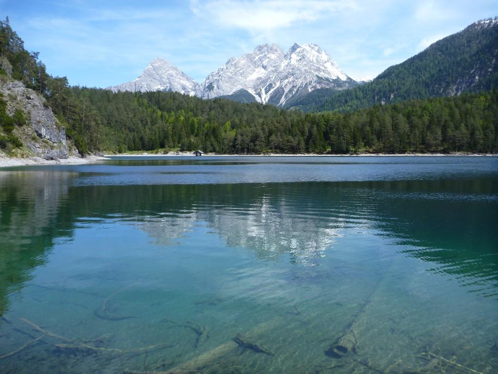 Blick über den Blindsee Richtung Zugspitze