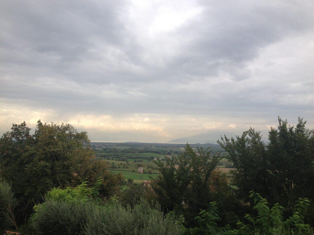 Blick von Solferino zum Monte Baldo