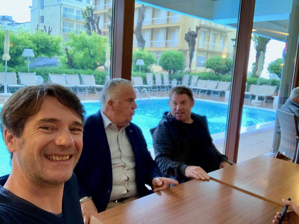v.r. Vaughn, Roberto und Patrick