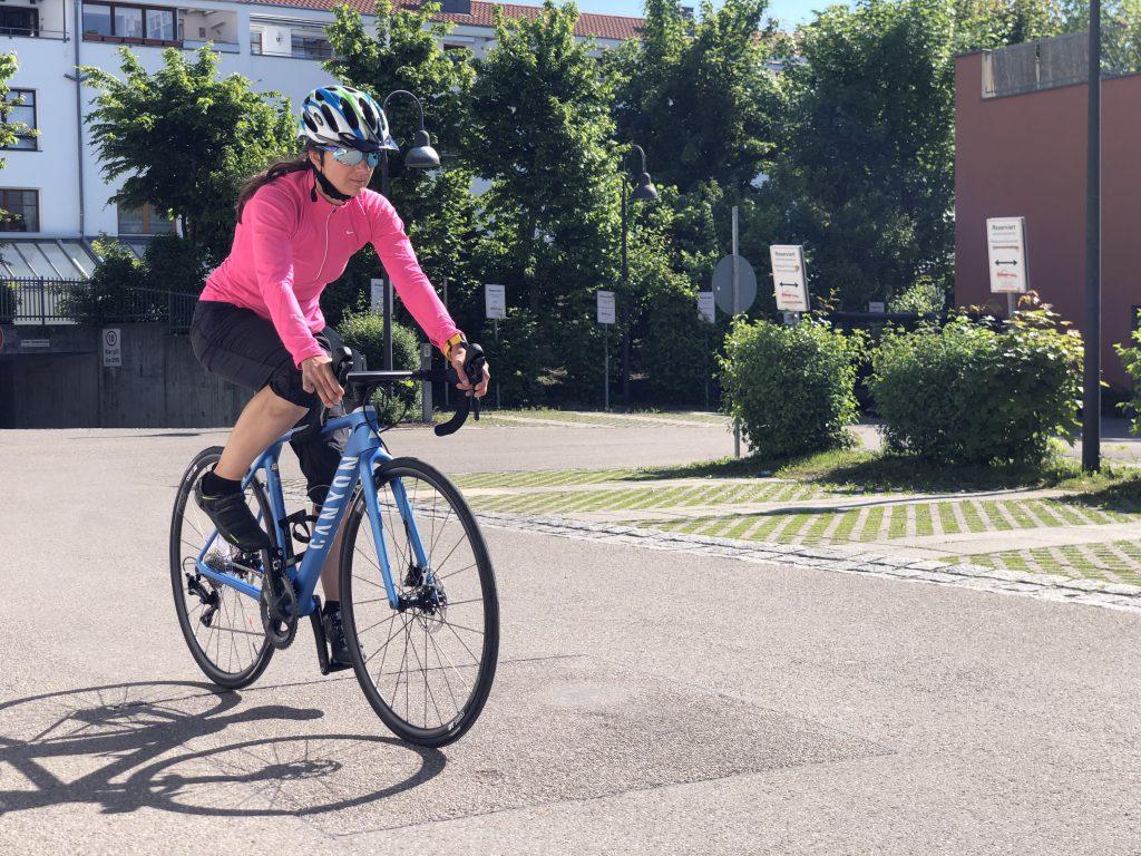 Wie wird man Triathlet? Mit viel Ausdauer-Training auf dem Rennrad