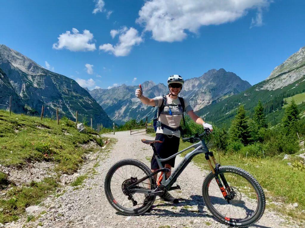 Reichweitentest Fazua eMTB vor dem Karwendeltal